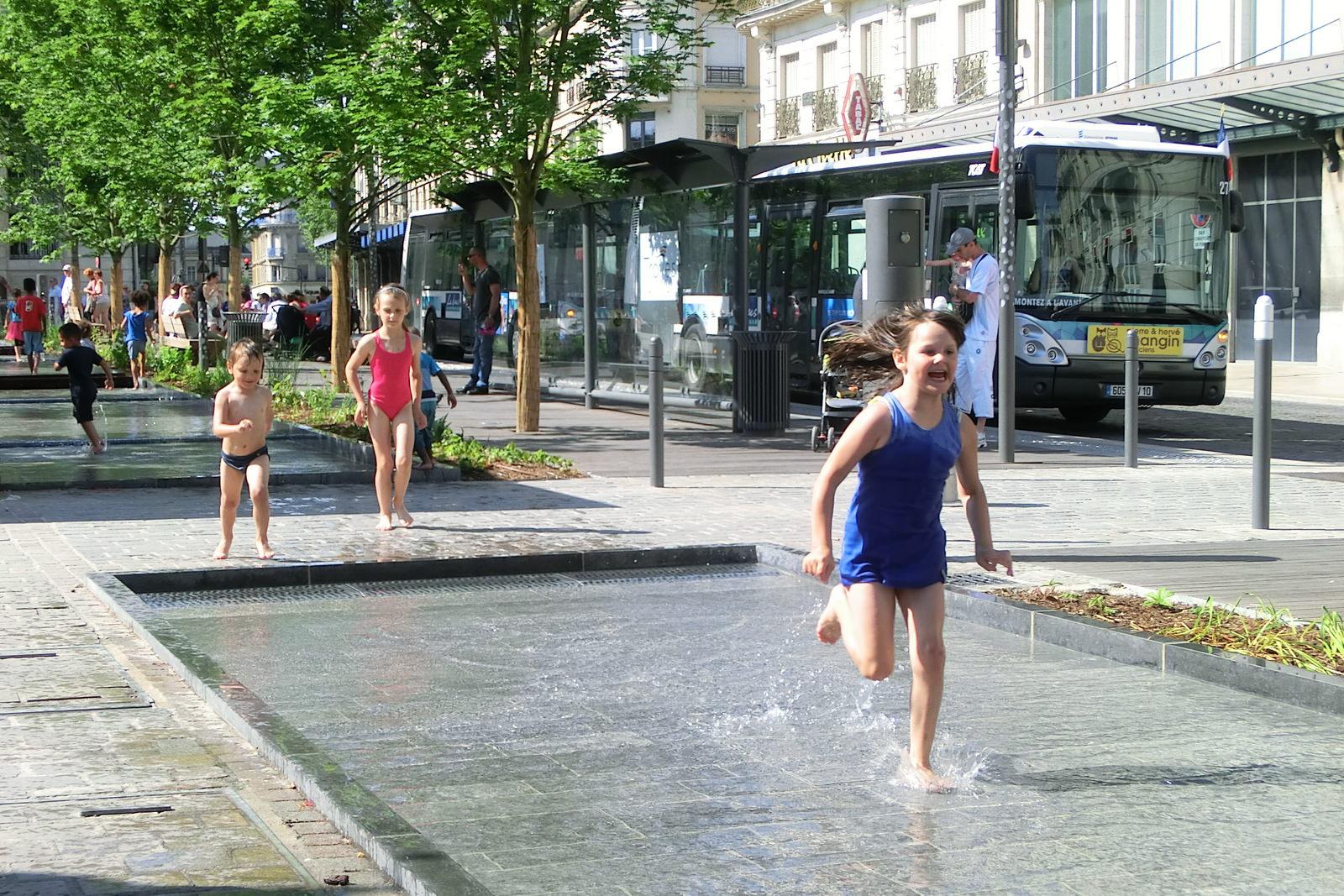 Wasserspiele Für Kinder : kinder und wasserspiele ~ Yasmunasinghe.com Haus und Dekorationen