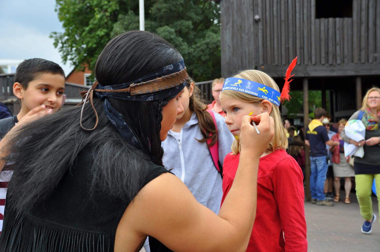 Kinder maskieren