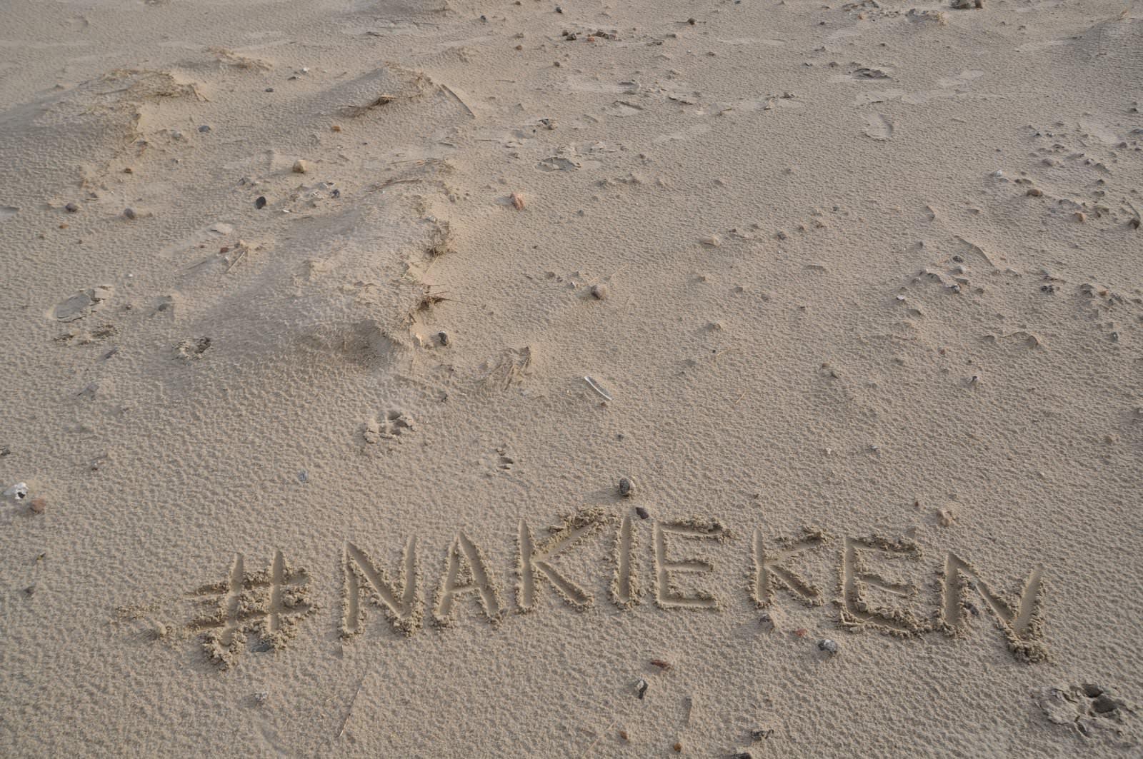 Nakieken im Sand