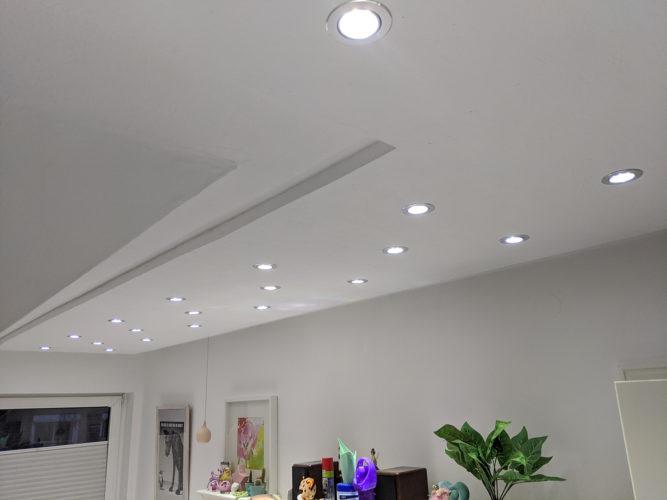 LED Spots an der Decke