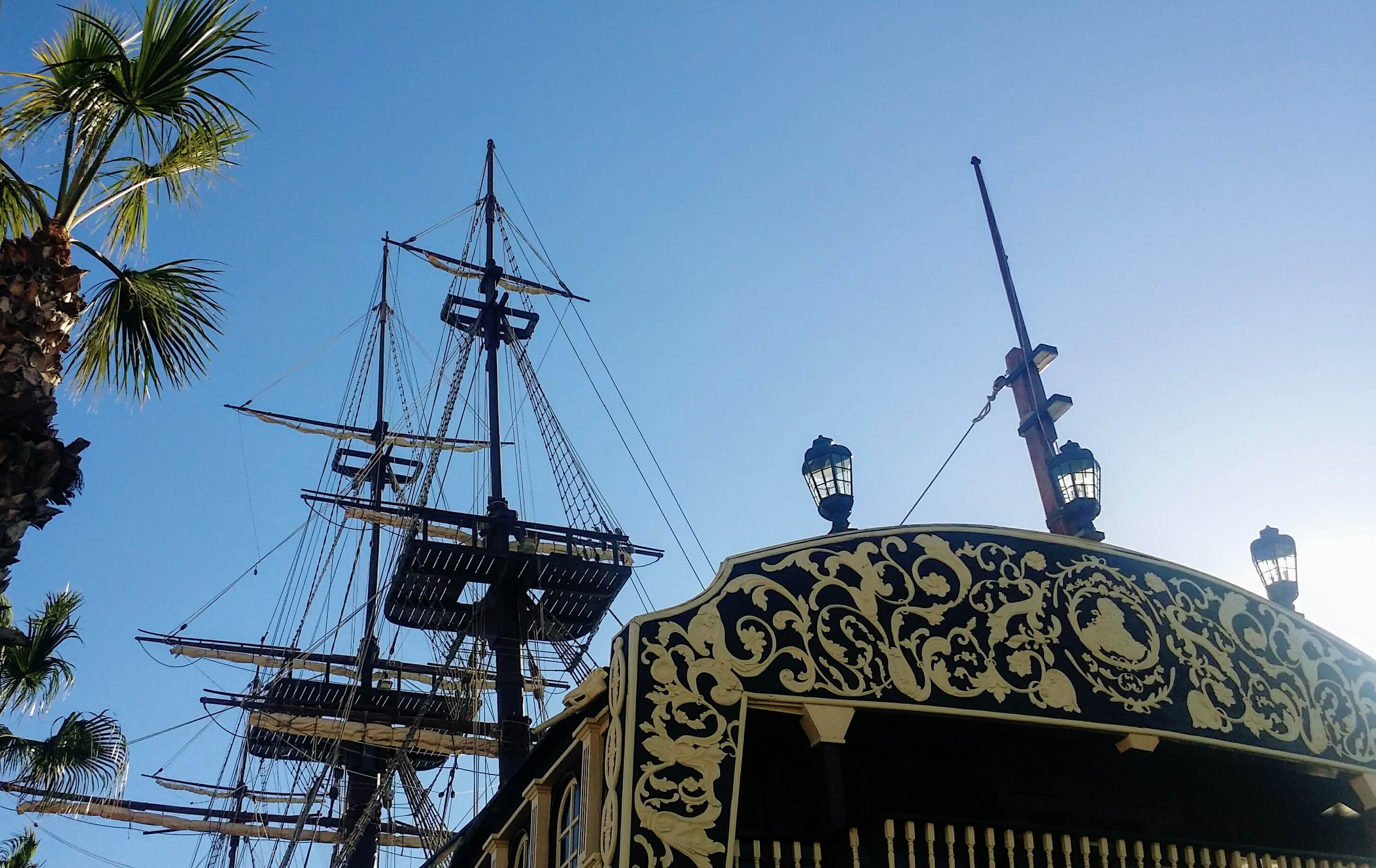 Restaurant Segelschiff im Hafen Alicante