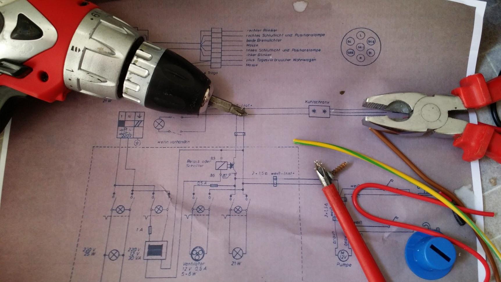 Schaltplan mit Werkzeug
