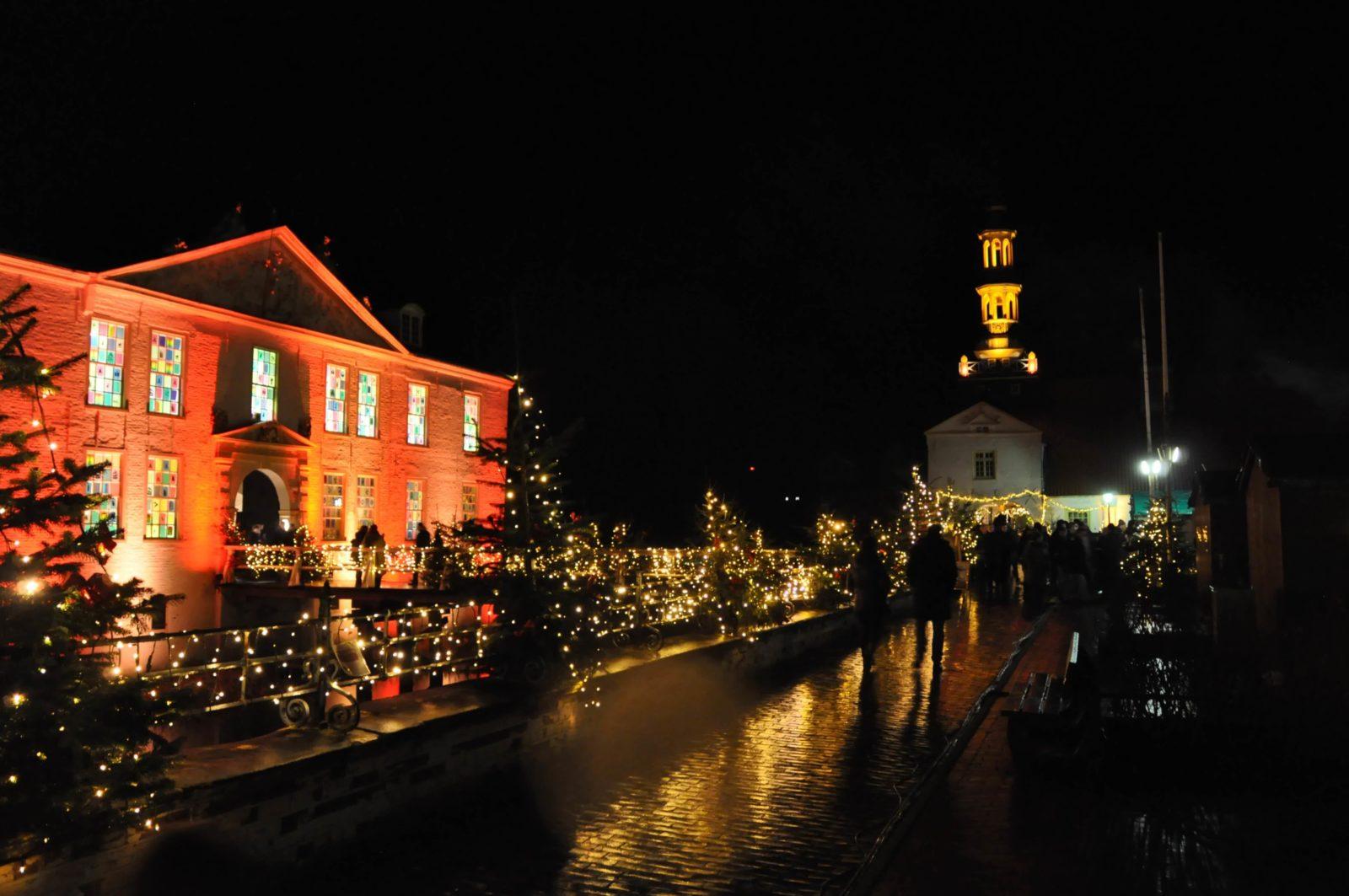 Wasserschloss Dornum im Winter