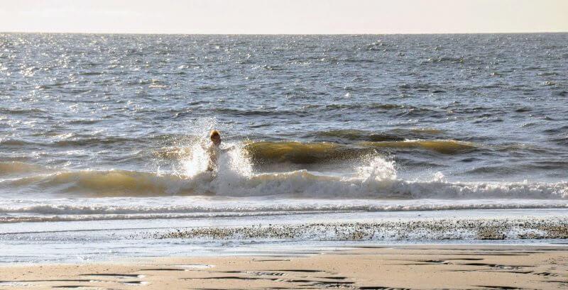 Schwimmen an den Stränden der Insel Baltrum