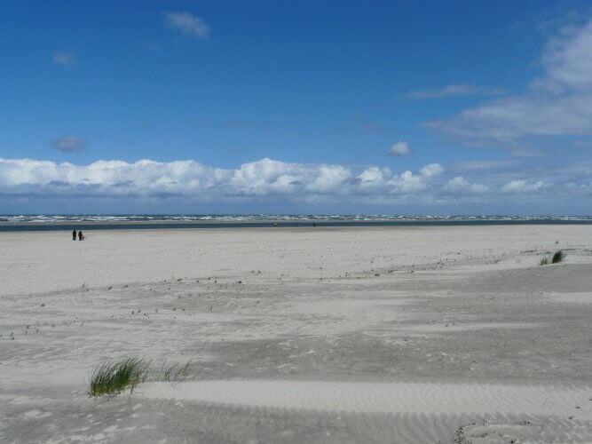 Spazieren am Strand auf Baltrum