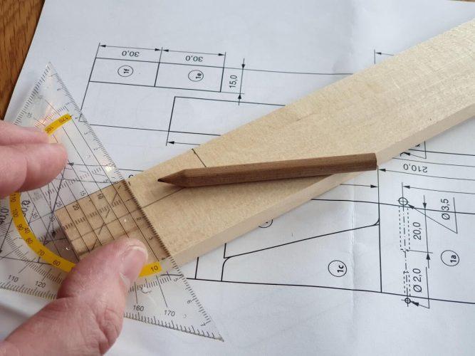 Schnittplan auf dem Holz anfertigen