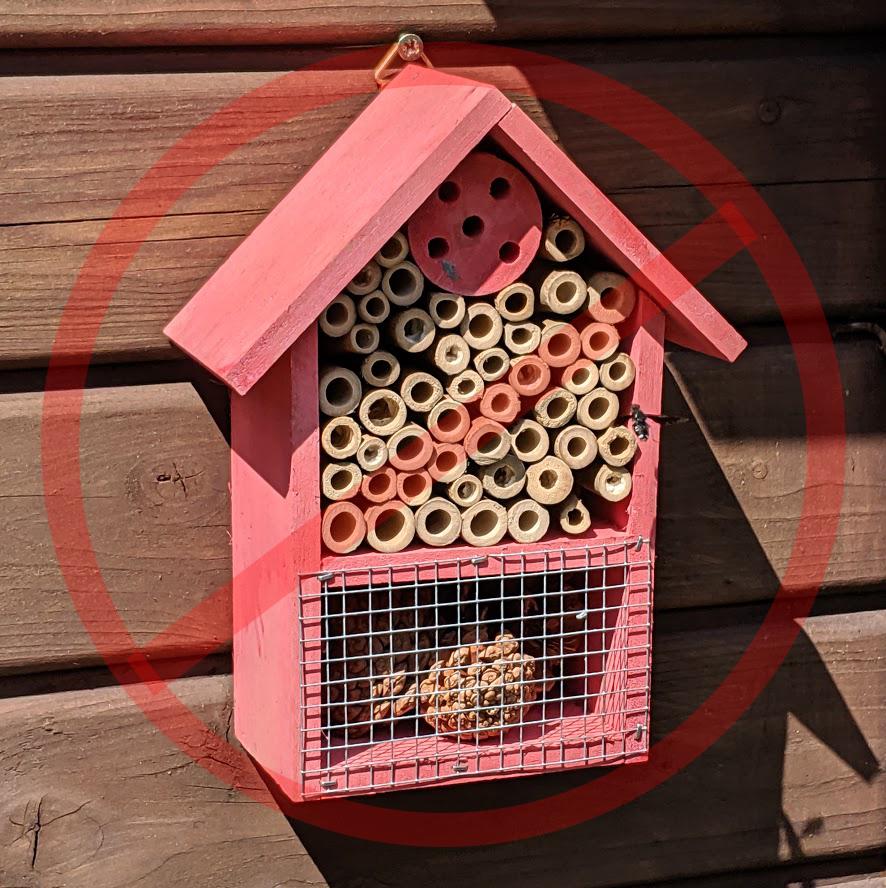 Lackiertes Insektenhotel