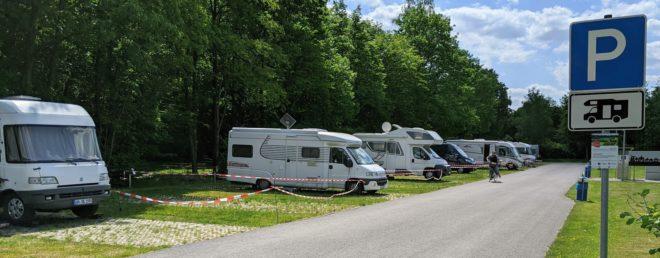 Wohnmobil Stellplatz am Wald